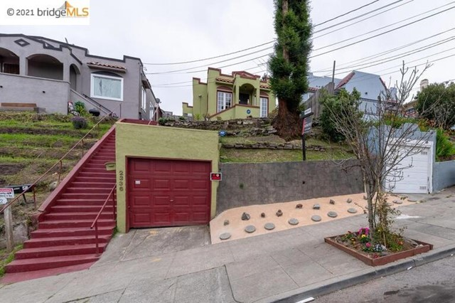 3. 2336 17Th Ave Oakland, CA 94606