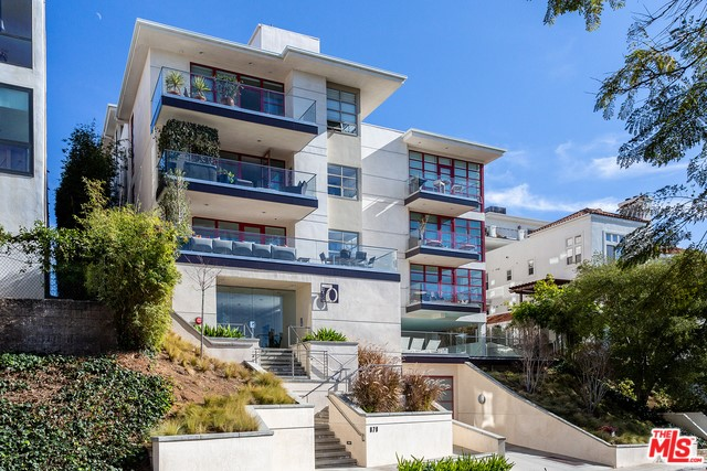 870 HAVERFORD Avenue 403, Pacific Palisades, CA 90272