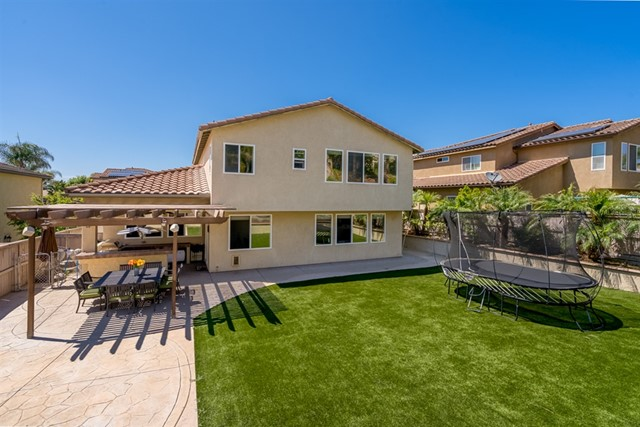 1053 Morgan Hill Dr, Chula Vista, CA 91913