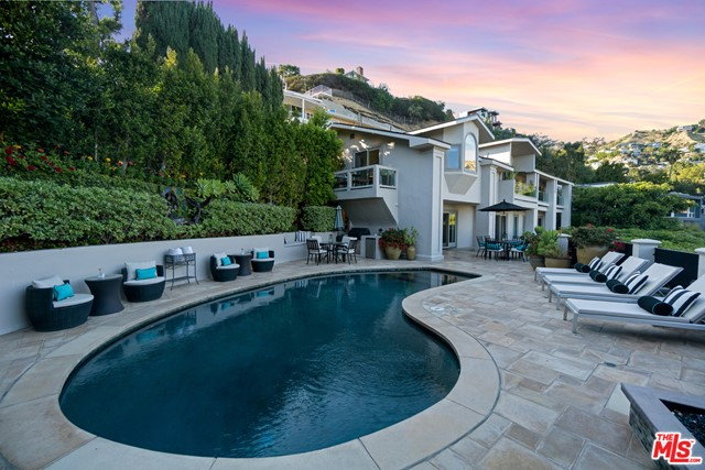 2. 1478 Stebbins Terrace Los Angeles, CA 90069