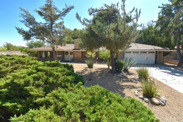 18196 Country Glen Lane, Victorville, CA 92395