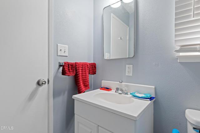 16 - Bathroom 2
