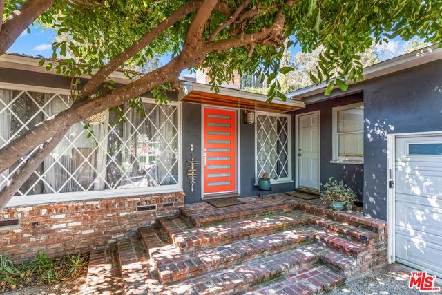 21414 DE LA OSA Street, Woodland Hills, CA 91364