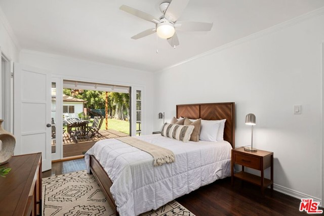 21. 745 N Poinsettia Place Los Angeles, CA 90046