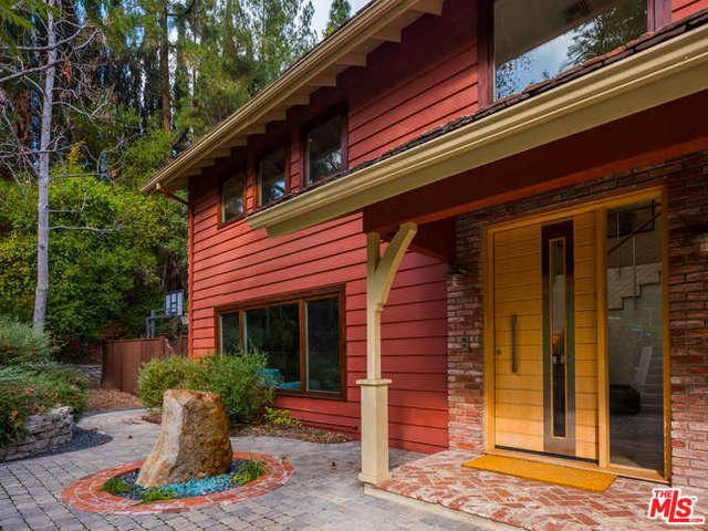 18681 PASADERO Drive, Tarzana, CA 91356