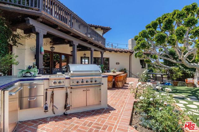 11. 453 Via Media Palos Verdes Estates, CA 90274