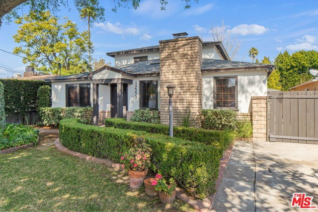 12335 HESBY Street, Valley Village, CA 91607