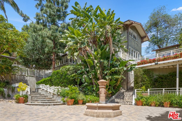 2209 CANYON Drive, Los Angeles, CA 90068