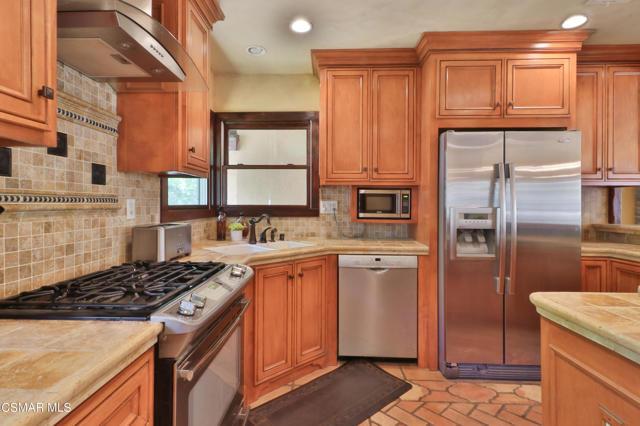 23. 202 Sundown Road Thousand Oaks, CA 91361