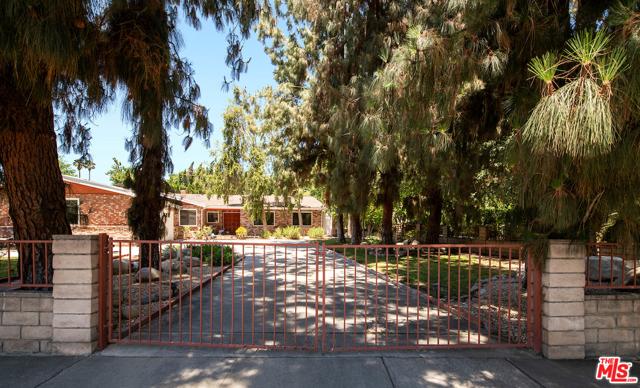 17427 Napa St, Sherwood Forest, CA 91325 Photo 1