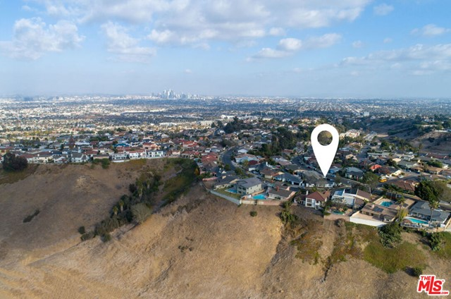 Image 28 of 4580 Don Felipe Dr, Los Angeles, CA 90008