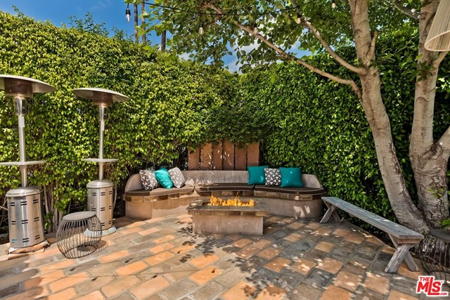 27. 603 N Martel Avenue Los Angeles, CA 90036