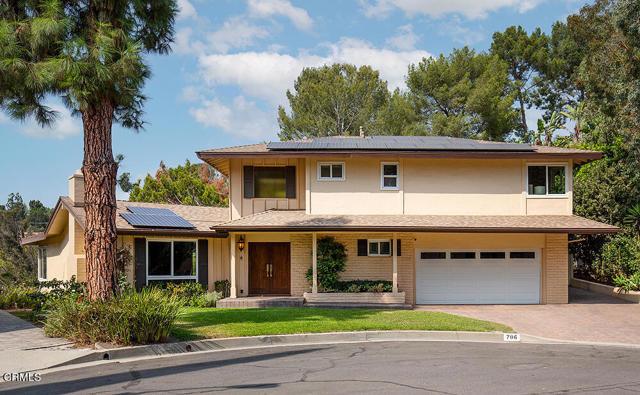 706 Flores de Oro, South Pasadena CA: https://media.crmls.org/mediaz/6E30CD51-56EC-4FEE-AD9A-188E5A64AF9E.jpg
