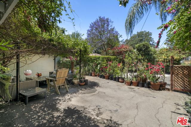 3. 1/2 Mammoth Avenue Sherman Oaks, CA 91423