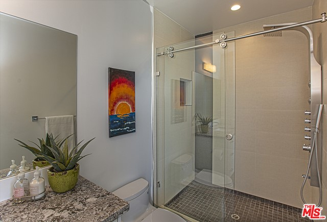 1027 AVENUE A, Redondo Beach, California 90277, 4 Bedrooms Bedrooms, ,5 BathroomsBathrooms,For Sale,AVENUE A,20576054