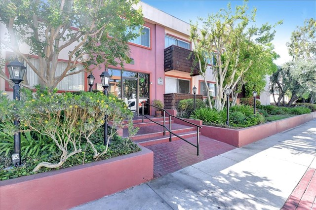 Photo of 5349 Newcastle Avenue #62, Encino, CA 91316