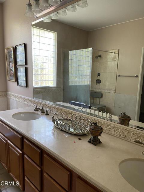 1513 Alta Vista MB double sink