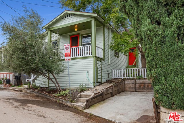 2425 RIVERSIDE Place, Los Angeles, CA 90039