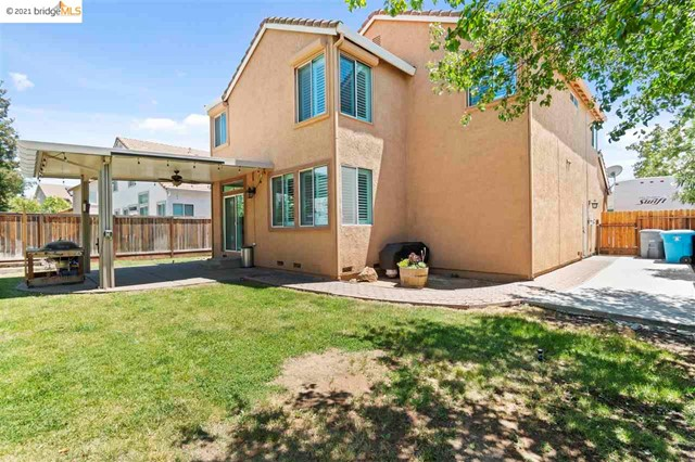 32. 619 Edenderry Dr Vacaville, CA 95688