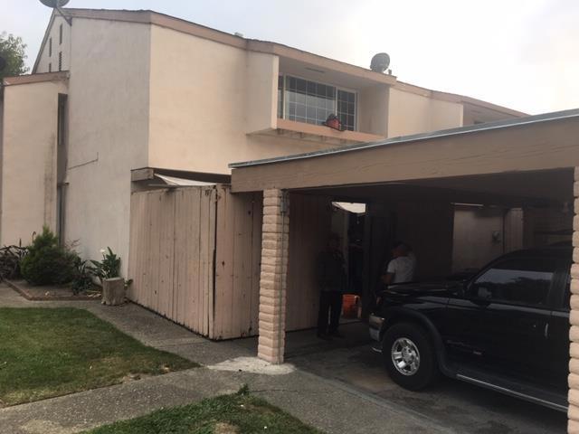 930 Acosta Plaza 24, Salinas, CA 93905