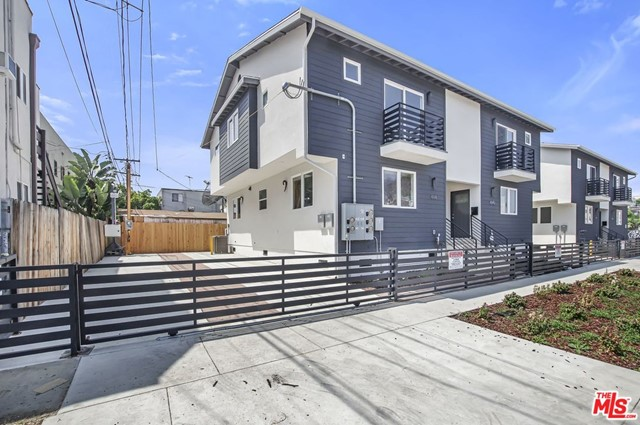 4114 OAKWOOD Avenue, Los Angeles, CA 90004