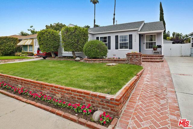 6704 MCLENNAN Avenue, Lake Balboa, CA 91406