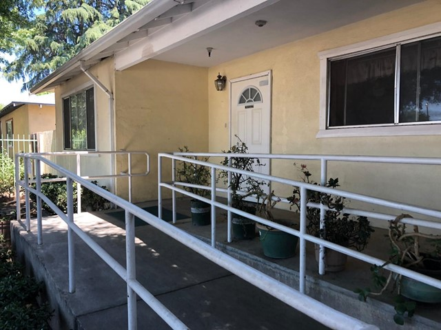 670 Paradise Road, Modesto, CA 95351