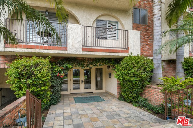 Photo of 125 MONTANA Avenue #104, Santa Monica, CA 90403