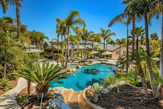 4435 Summer Dr, Oceanside, CA 92056