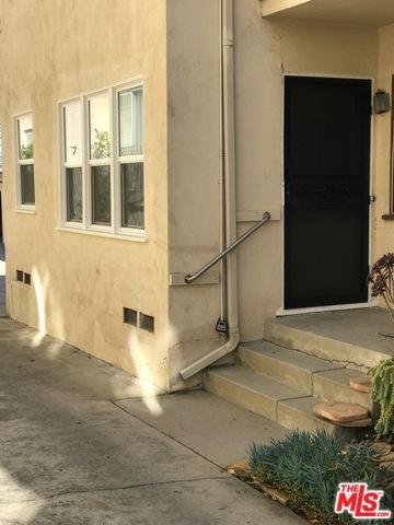 Photo of 15153 S DICKENS Street, Sherman Oaks, CA 91403