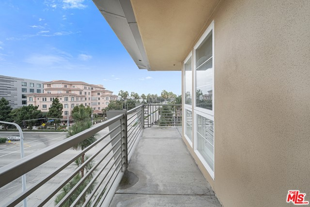 5831 Seawalk Dr, Playa Vista, CA 90094 Photo 16