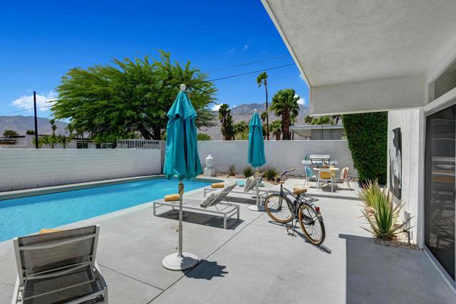 15. 3390 E Paseo Barbara Palm Springs, CA 92262