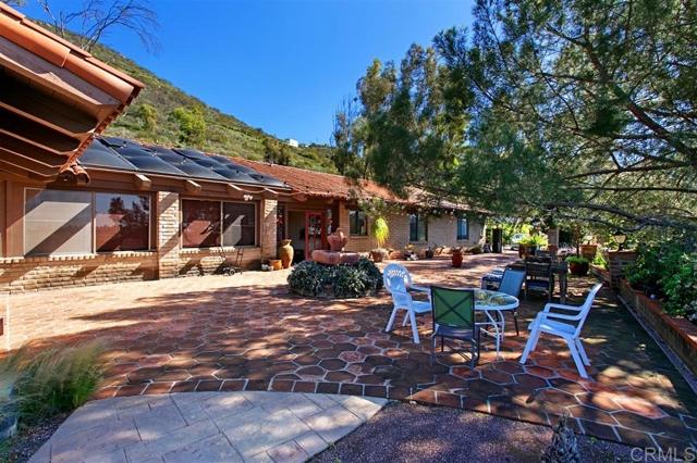 2508 Catalina Ave, Vista, CA 92084