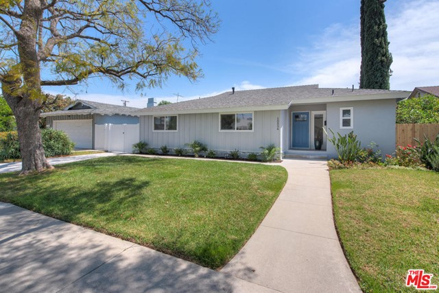 Photo of 10534 COLLETT Avenue, Granada Hills, CA 91344