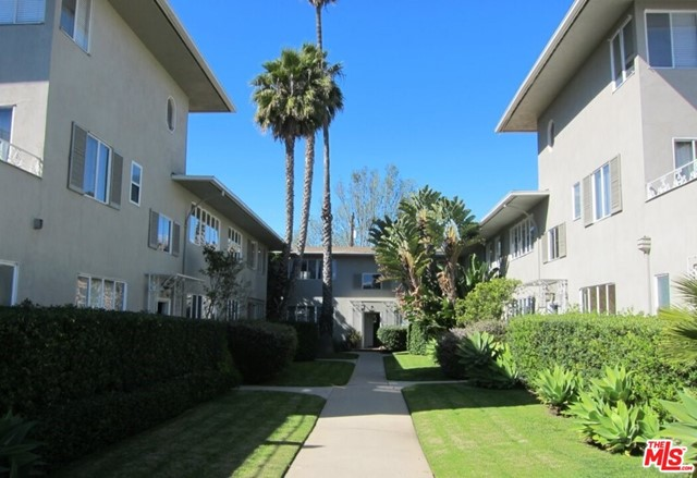 129 San Vicente Boulevard, Santa Monica, CA 90402