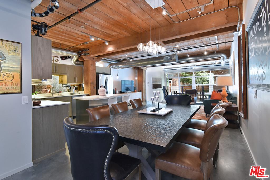 Oversized Dining Area