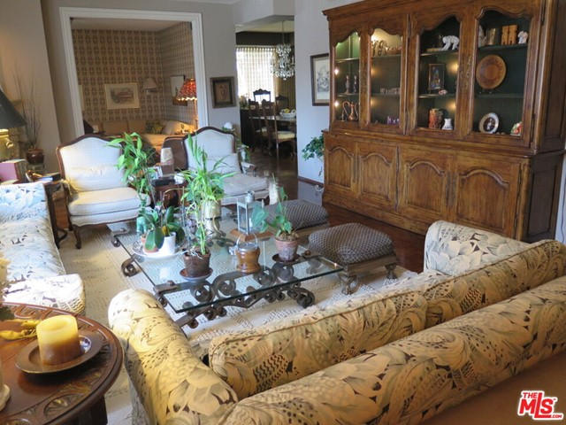 Photo of 241 S REEVES Drive #102, Beverly Hills, CA 90212