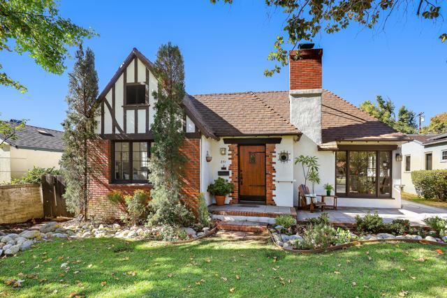 851 Adelaide Drive, Pasadena, CA 91104