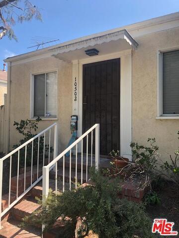 10502 Ayres, Los Angeles, CA 90064