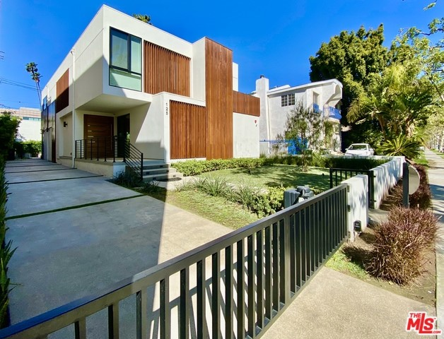 125 N STANLEY Drive, Beverly Hills, CA 90211