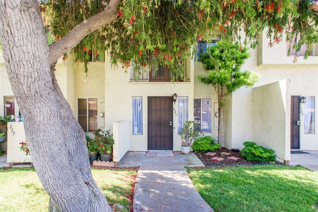 221 Espanas Glen, Escondido, California 92026, 2 Bedrooms Bedrooms, ,1 BathroomBathrooms,For Sale,Espanas Glen,180031667