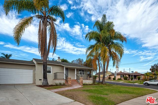 8621 Yorktown Ave, Los Angeles, CA 90045