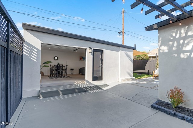 45. 5403 STRATFORD Road Los Angeles, CA 90042
