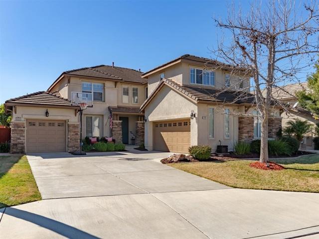 619 Chesterfield Cir, San Marcos, CA 92069