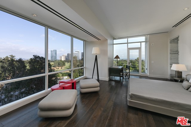 1200 CLUB VIEW Drive 700, Los Angeles, CA 90024