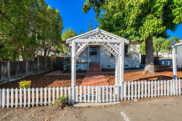 19201 Stanton Avenue, Castro Valley, CA 94546