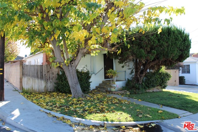 1760 11Th Street, Manhattan Beach, California 90266, 3 Bedrooms Bedrooms, ,1 BathroomBathrooms,For Rent,11Th,21694836