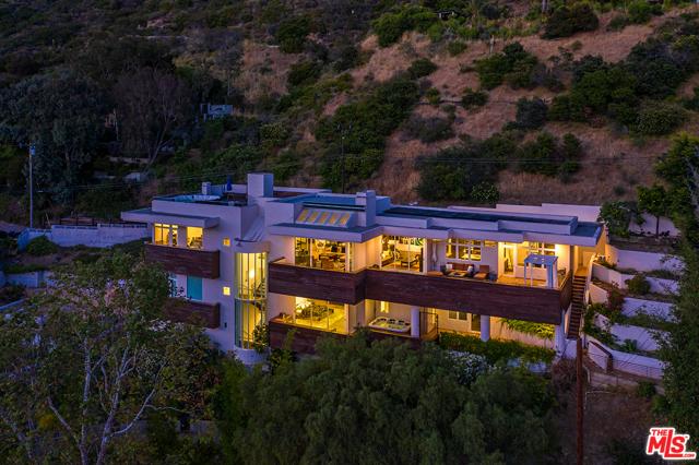 42. 21070 Las Flores Mesa Drive Malibu, CA 90265