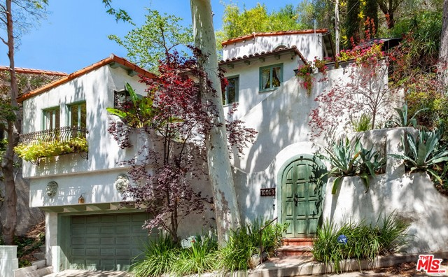 10063 Reevesbury Drive, Beverly Hills, CA 90210