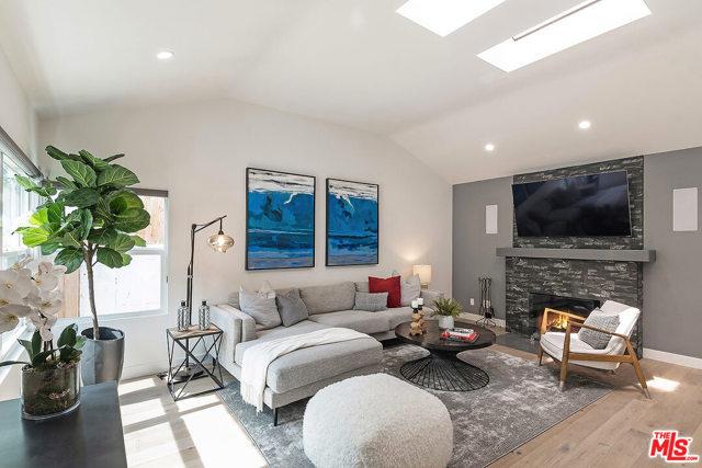 4221 Greenbush Avenue Sherman Oaks, CA 91423
